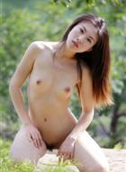 METCN人体模特―叶贤专辑《绿丛中的美女》