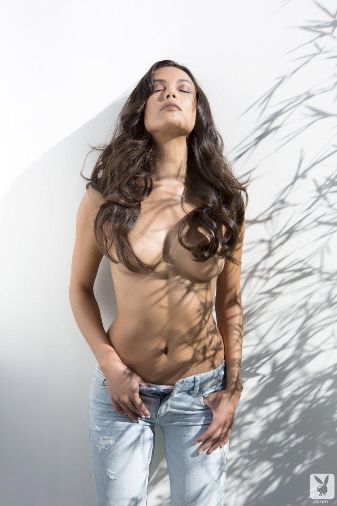 [Playboy] 帅气牛仔女郎拉奎尔庞普伦(Raquel Pomplun)