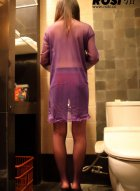 [ROSI写真]NO.074 偷拍美女浴室脱衣全过程
