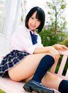 日本女优云乃亚美唯美学生制服写真化作校园里一道迷人风景线