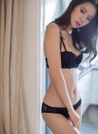 气质美女内衣写真自信满满秀身材 浑身散发出无可抗拒的诱人魅力