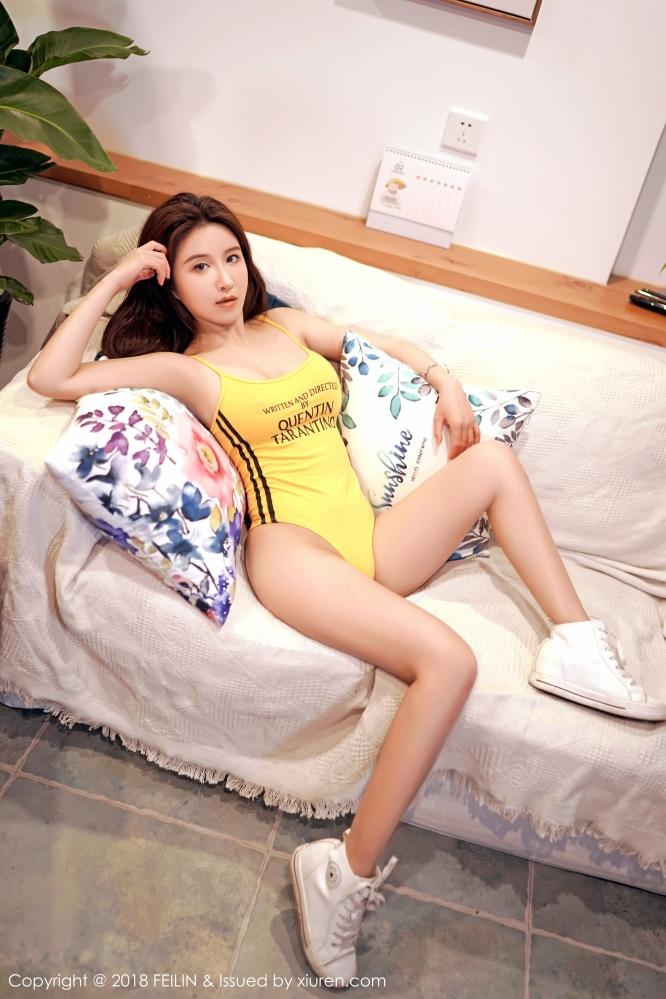 女神Jennanni_Jen有着不俗的颜值逆天的腰臀美得让人无法自拔