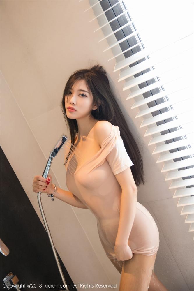 窈窕美女杨晨晨骨感的身材却有饱满的美乳翘臀让网友直呼妖孽