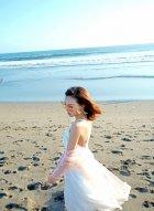 娇美女神冯木木LRIS沙滩清新写真 身着优雅白裙好似公主